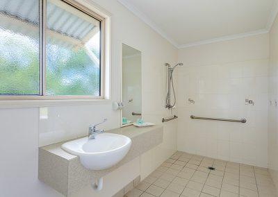 QC_Bathroom_Queen_1